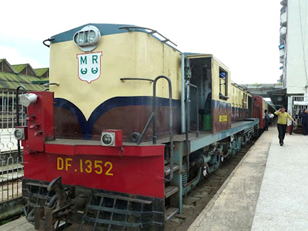 Train in Yangon