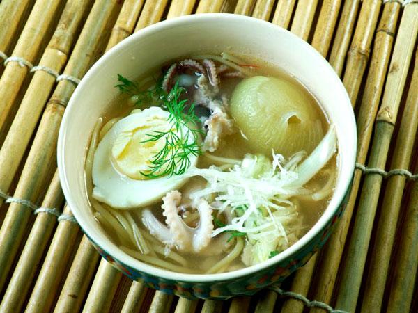Fish soup rice noodle