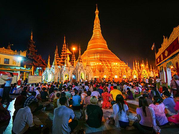 Pagoda Festival in Myanmar