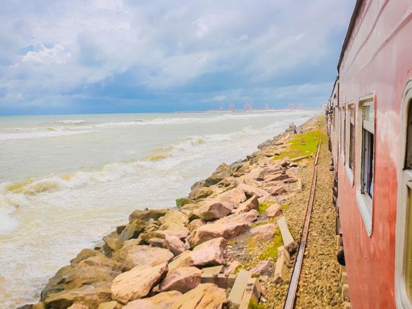 Sea train in Galle