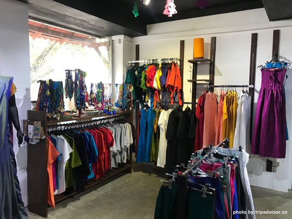 5 Famous Shopping Places in Kandy